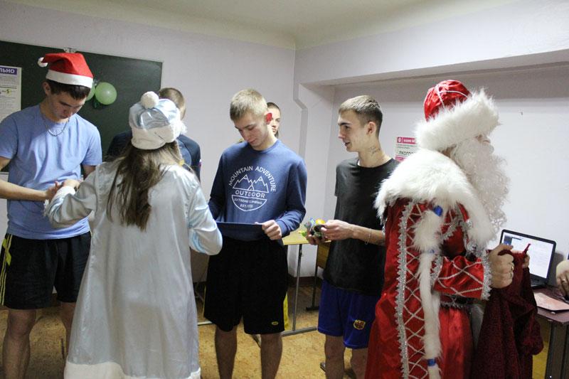 Новогодняя программа в общежитиях