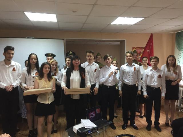"""Студенты и преподаватели БПК поздравили дом престарелых """"Ветеран"""""""