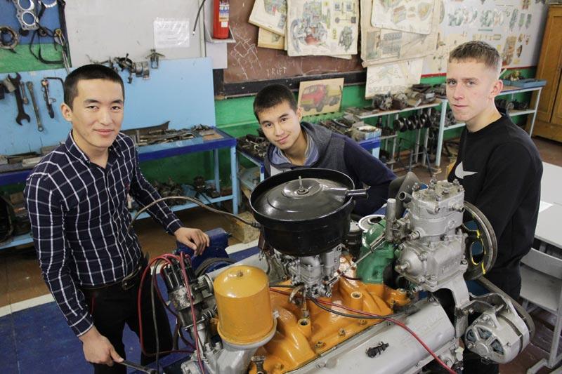 Студенты механического отделения БПК