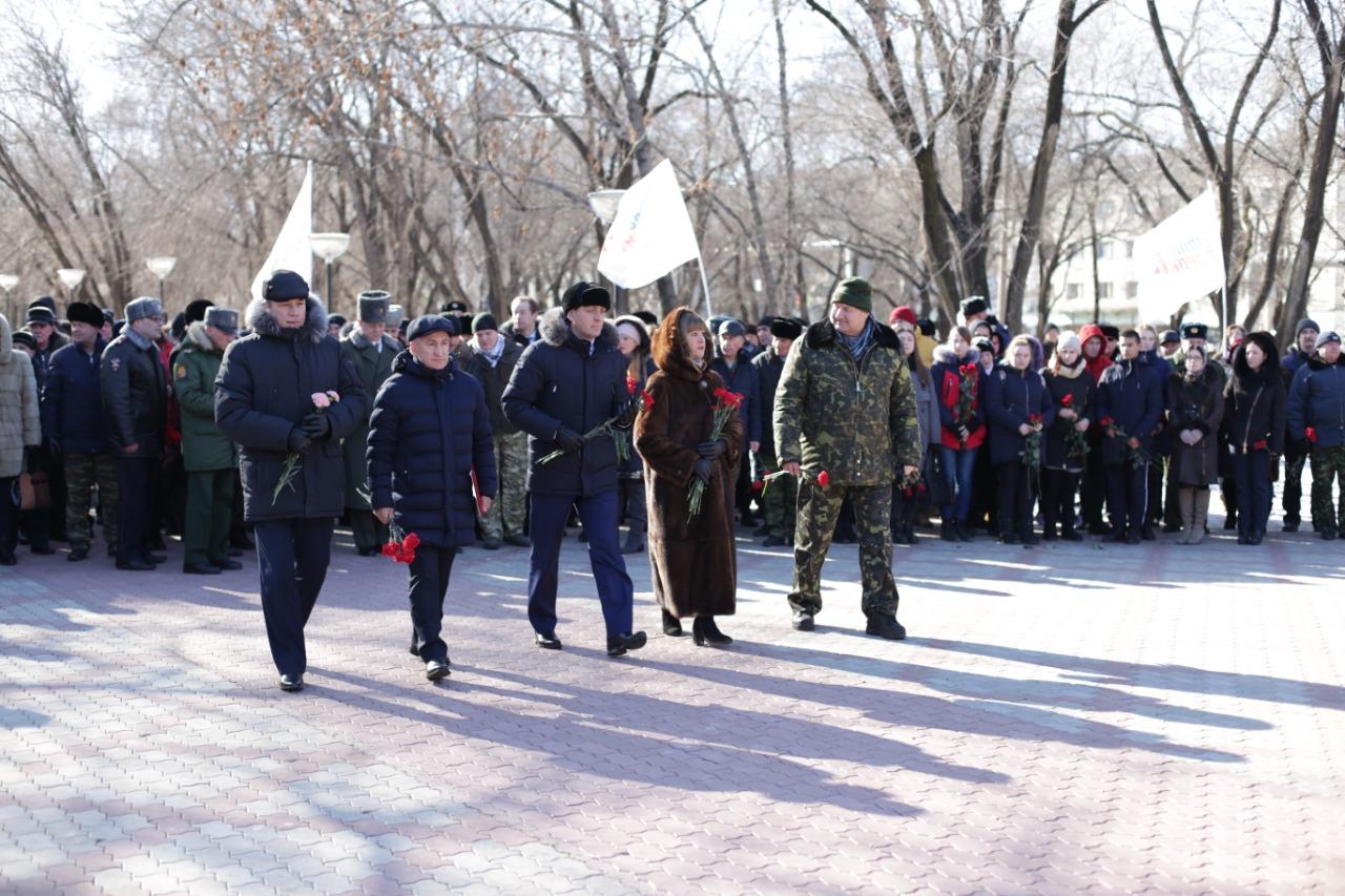 Возложение цветов к памятнику Воинов-интернациолистов